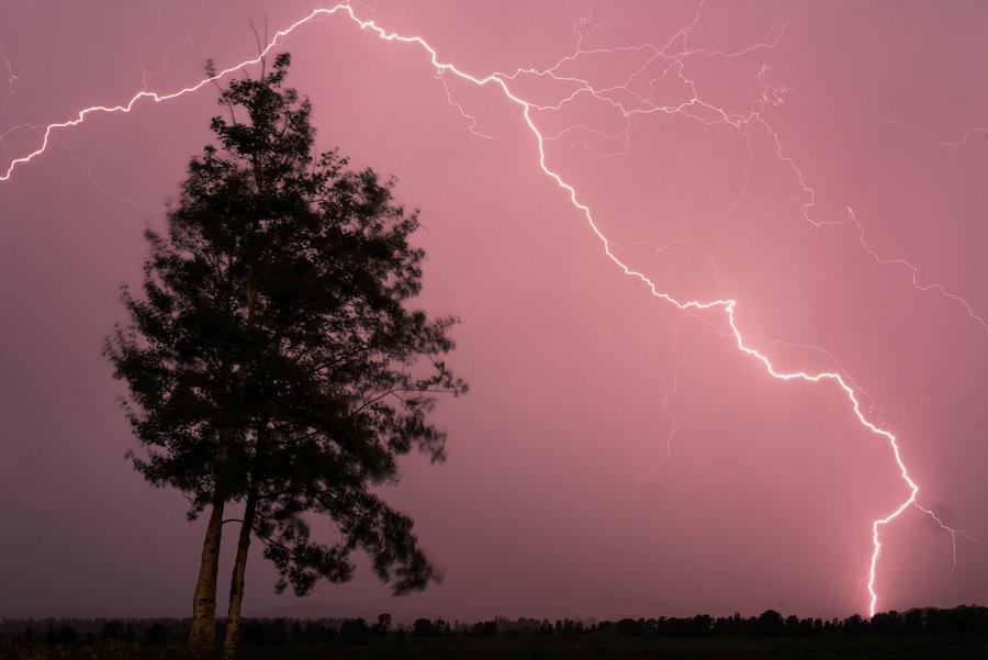 01 04 Lightning