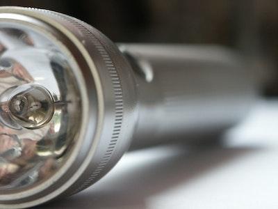 06 24 Flashlight