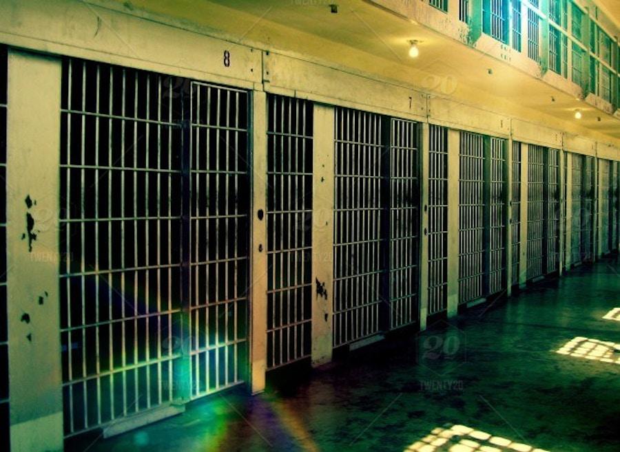 11 09 Prison