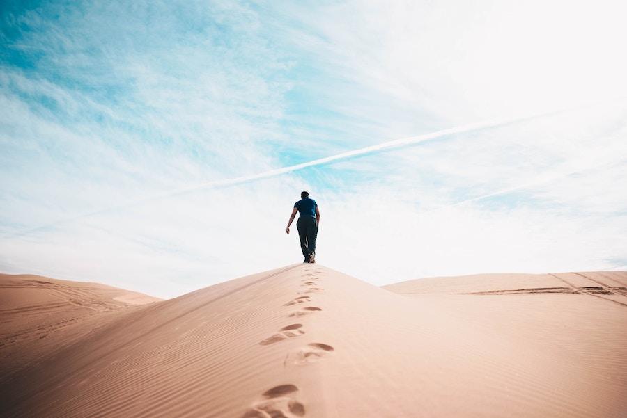 2018 09 29 Man Alone Desert