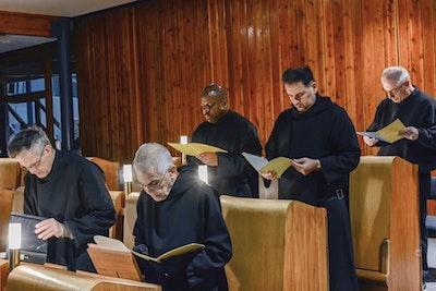 Monks Reading2