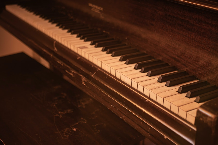 Old piano 2