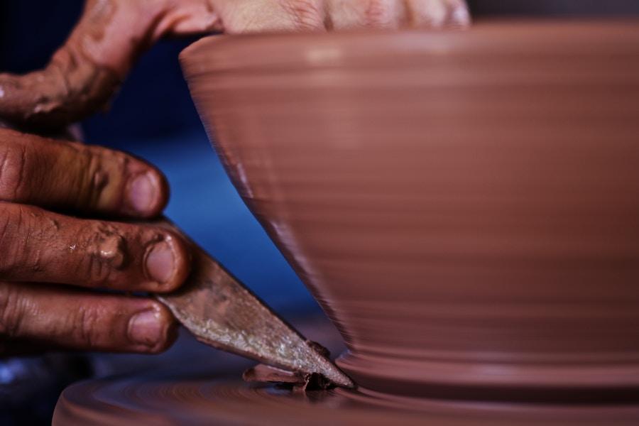 Potter Molding Pot